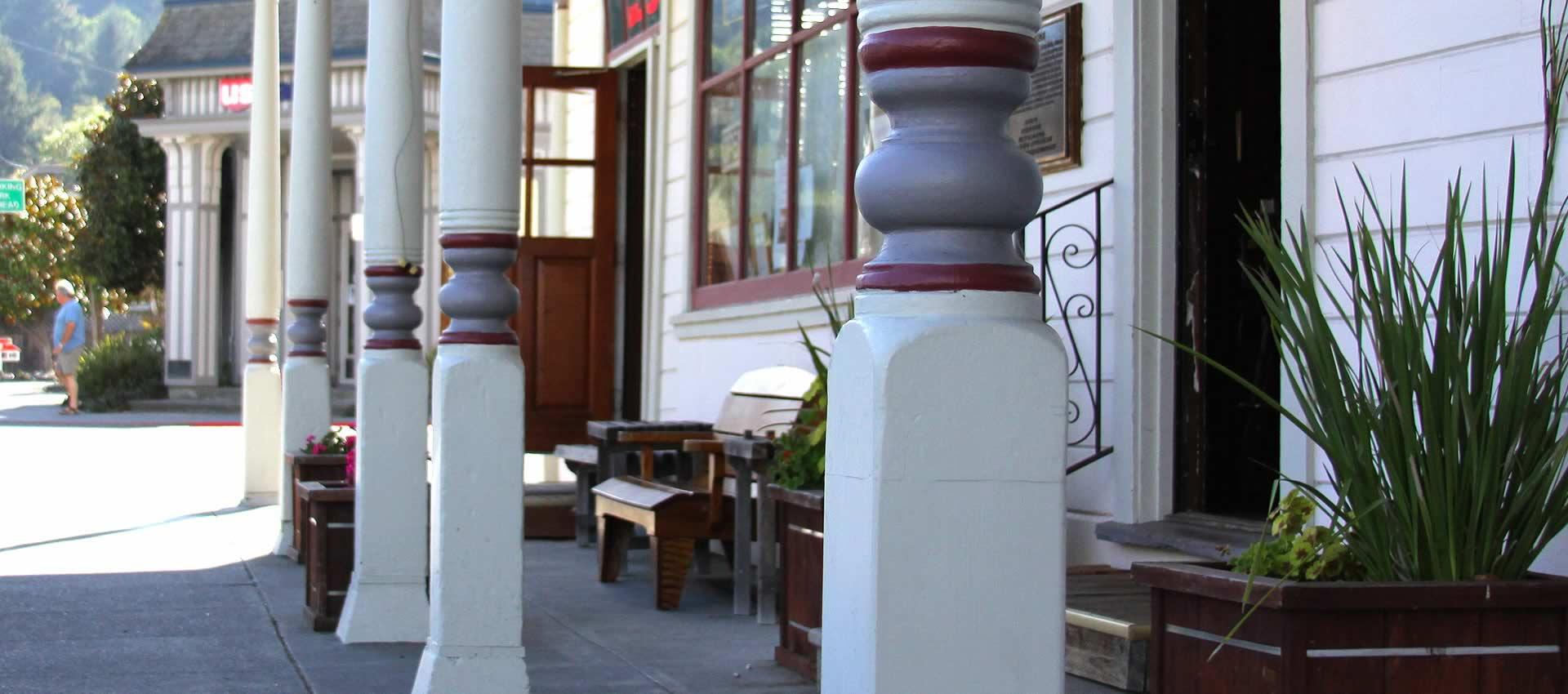 redwood-suites-street
